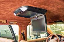 "Porsche Cayenne установка потолочного монитора Soundstream VCM-11DXX 11.2"" и TV-тюнера Pioneer GEX-O5700TVP"