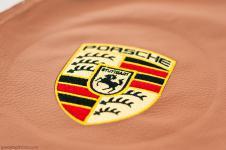 Porsche Cayenne вышивка на коже