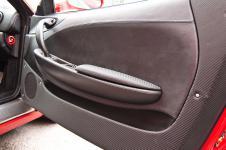 Ferrari 360 Modena перетяжка вставок в двери из карбоновой кожи