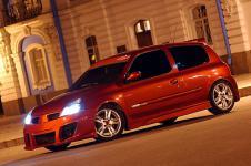 Renault Clio Sport тюнинг бамперов, спойлер, пороги