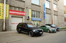 BMW X5 c установленым аэродинамическим китом от Hamann Flash в сравнении с другими
