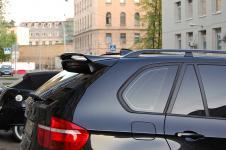 BMW X5 c установленым аэродинамическим китом от Hamann Flash спойлер
