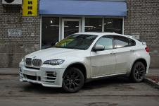 BMW X6 передний бампер с 4 светодиодными полосками Hamann