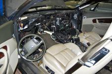 Bentley Continental GT ремонт передней панели со снятым торпедо