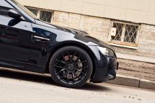 2 Coupe с черными передними дисками Breyton