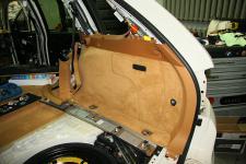 Porsche Cayenne установка сабвуфера Morel eLate SW10