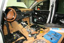 Porsche Cayenne установка фронтальной акустики Morel eLate 9/3